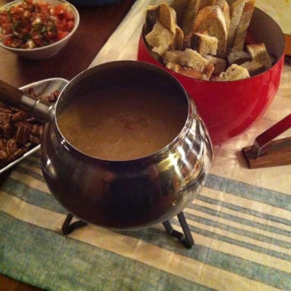 A melhor receita de fondue de queijo e cerveja suíço