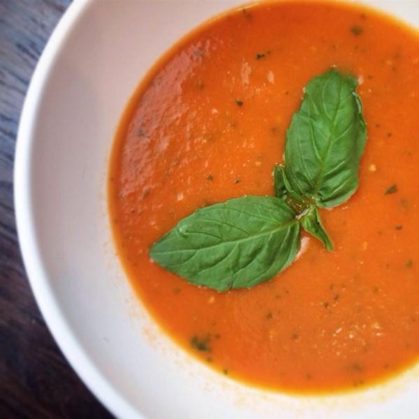Receita de Sopa de Tomate Fresco de Jardim