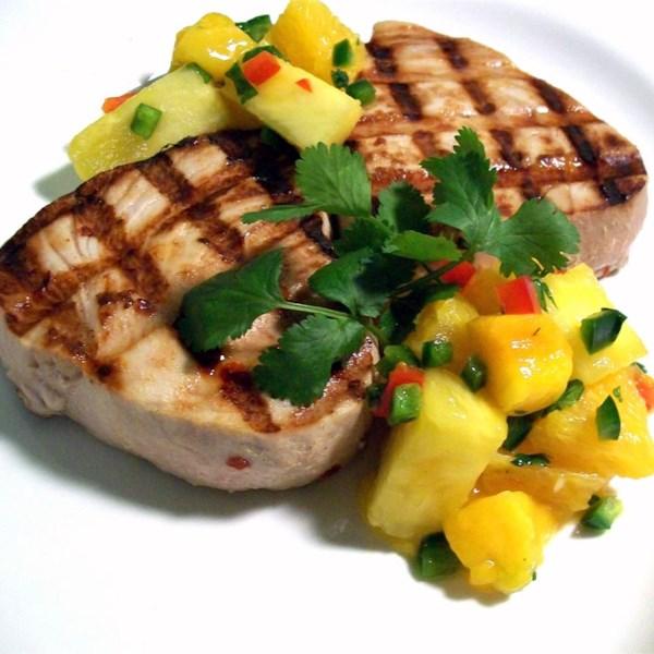 Peixe-espada cítrico com receita de salsa cítrica