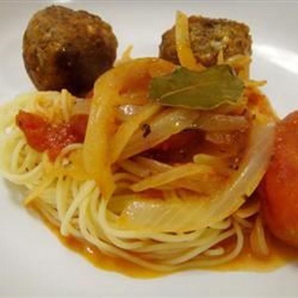 Receita de Espaguete e Almôndegas ro