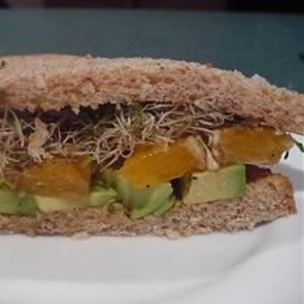 Receita de Sanduíche de Abacate e Laranja