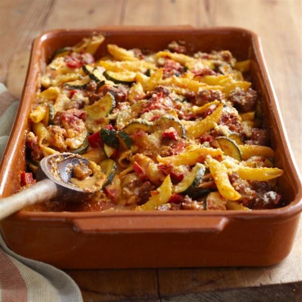 VELVEETA(R) Receita italiana de cozimento de salsicha