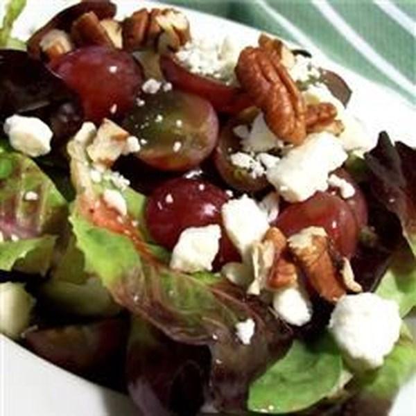 Receita de Salada de Queijo de Cabra Waldorf