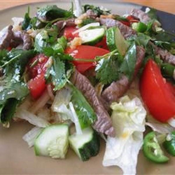 Receita de Salada de Carne Grelhada Tailandesa