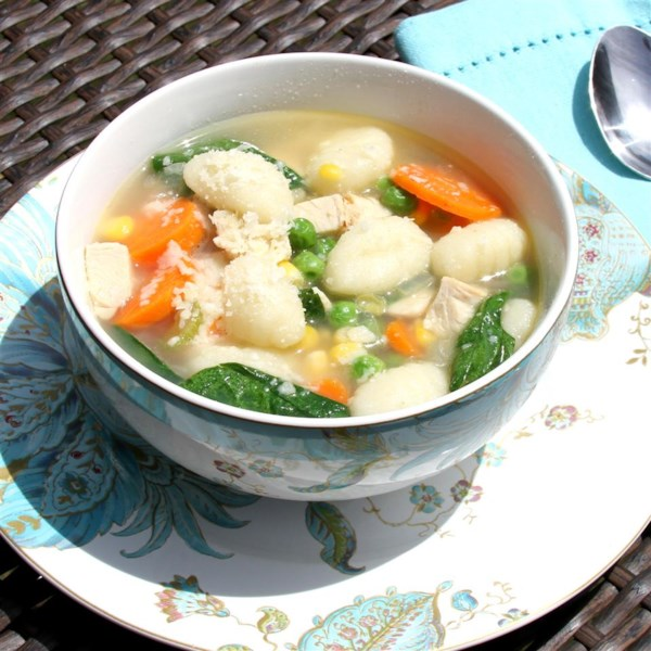 Receita de Sopa de Frango fácil e Nhoque