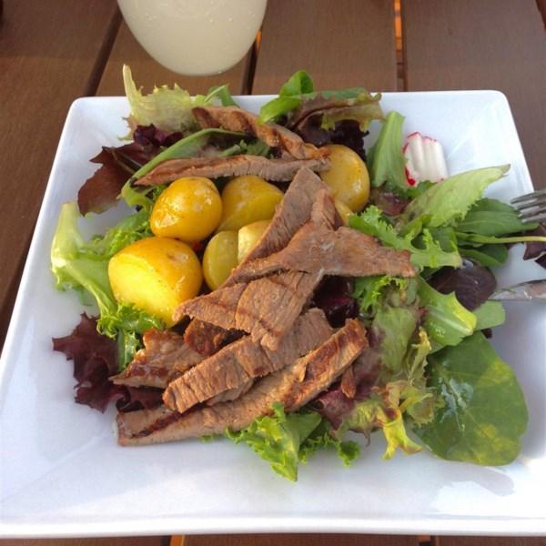 Receita de Bife Quente e Salada de Batata