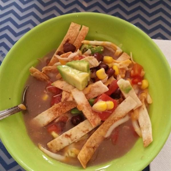 Seis lata receita de sopa de tortilla de frango