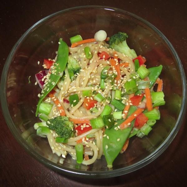 Receita de Salada de Macarrão Asiático
