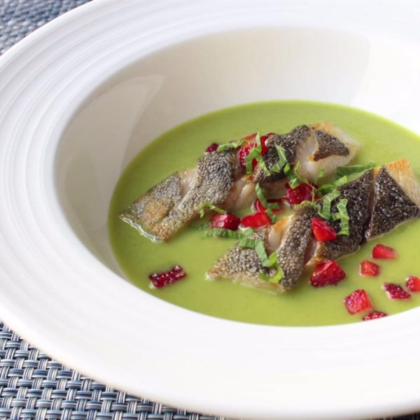 Spring Pea Green Curry com Bacalhau Preto e Receita de Morango