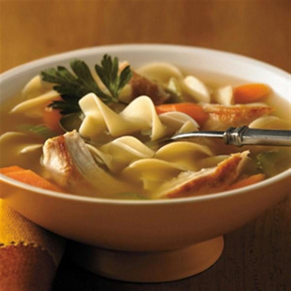 Receita sensacional de sopa de macarrão de frango