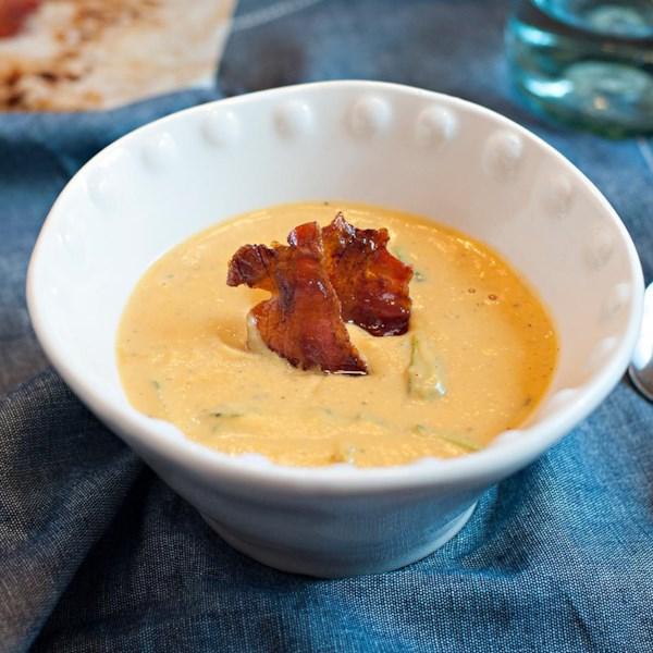 Queijo de Cabra e Sopa de Manteiga com Receita de Bacon Cristalizado maple