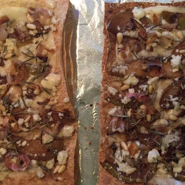 Receita de Pizza de Queijo Pera e Gorgonzola