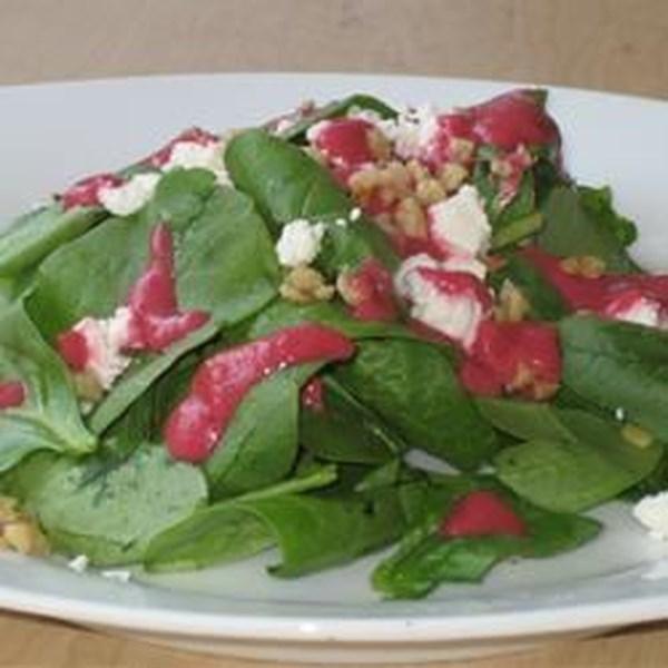 Salada de Queijo de Espinafre e Cabra com Receita de Vinagrete de Beterraba