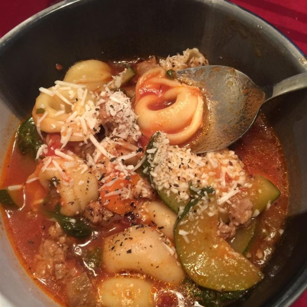 Sopa de Salsicha Italiana com Receita de Tortellini