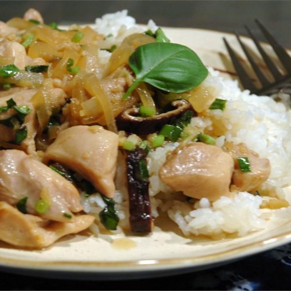 Frango tailandês com receita de fritura de manjericão
