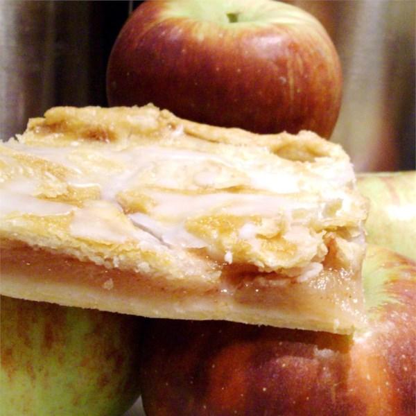 Receita dinamarquesa de barras de maçã de pastelaria