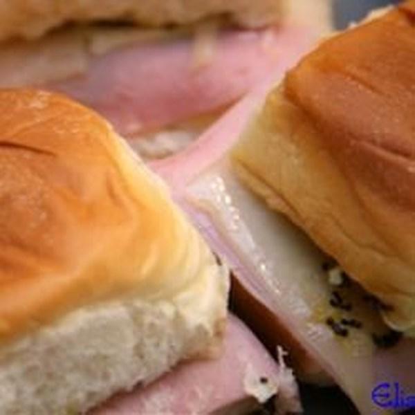 Receita de Sanduíches de Aperitivos de Presunto fácil e Queijo