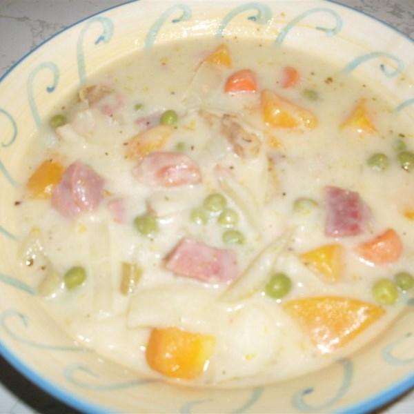 Receita de Sopa cremosa de Presunto e Batata