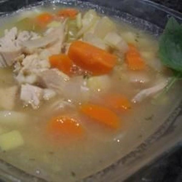 Receita caseira de sopa de macarrão de frango