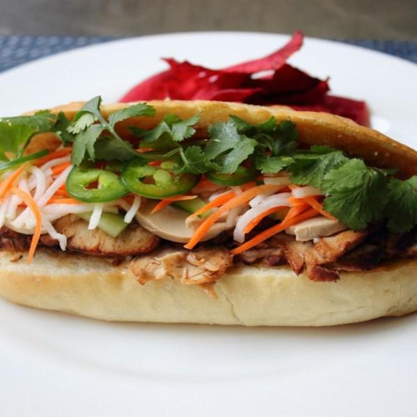 Receita de Porco Assado Banh Mi (Sanduíche Vietnamita)