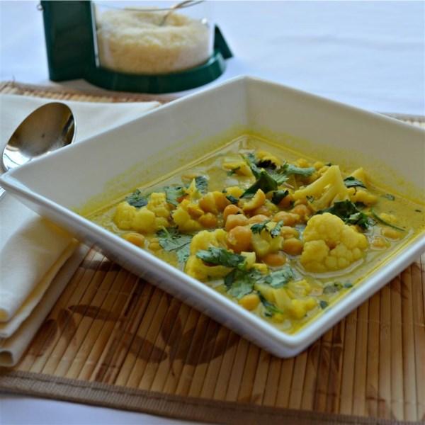 Sopa de Frango Com Grão-de-Bico e Receita de Couve-Flor