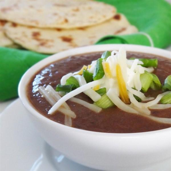 Receita de Sopa de Feijão Preto e Salsa