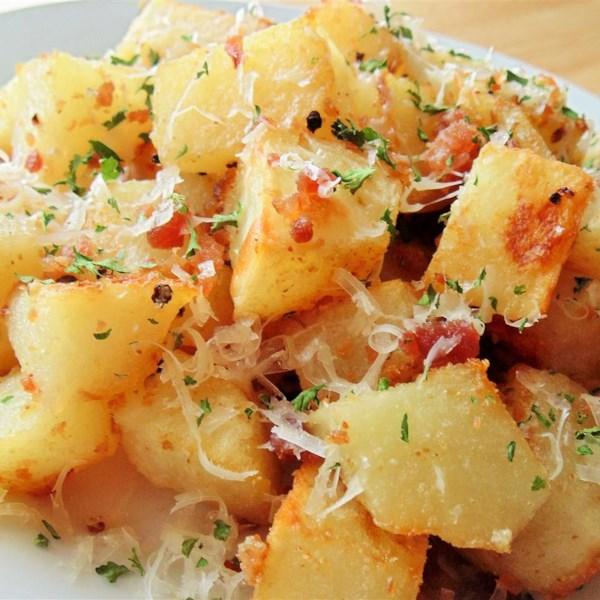 Batatas Assadas com Bacon, Queijo e Receita de Salsa