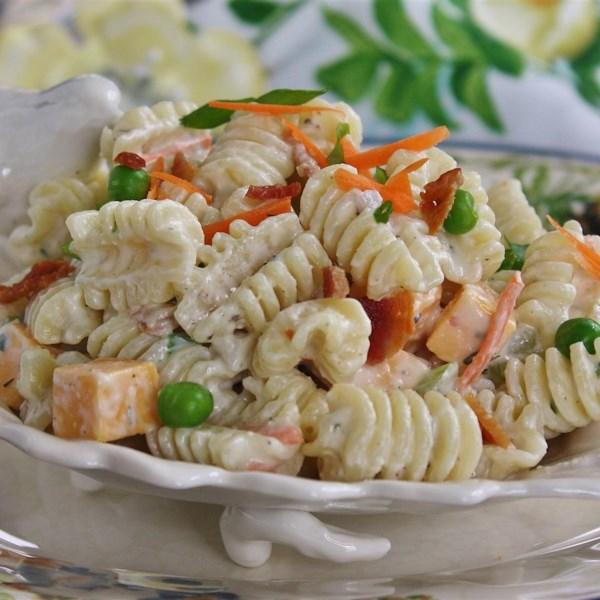 Receita de Salada de Macarrão Rancho, Bacon e Parmesão