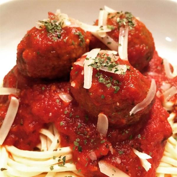 Receita não tão tradicional de espaguete e almôndegas