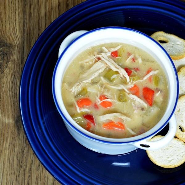 Receita de Sopa de Frango de Panela Lenta Fácil