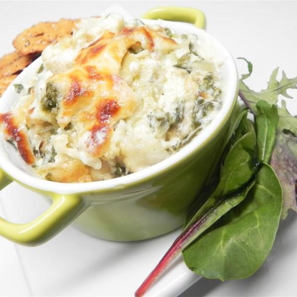 A receita perfeita de alcachofra quente e molho de espinafre