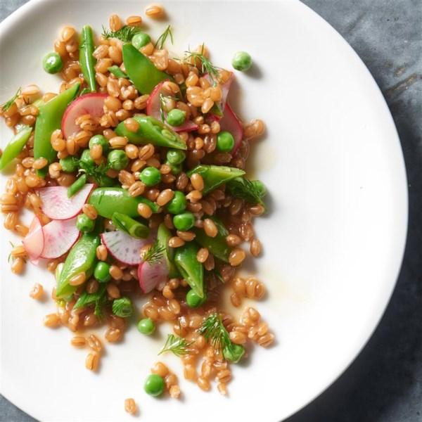 Salada de Trigo com Ervilhas, Rabanetes e Receita dill