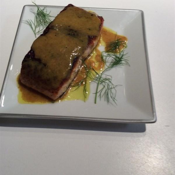 Garam Masala Seared Salmon com Receita de Manteiga de Coco-Curry