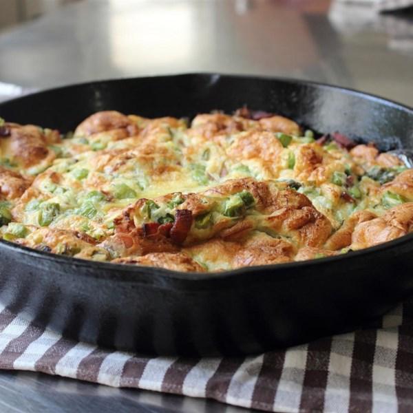 Chef John's Bacon e Aspargus Dutch Baby Recipe