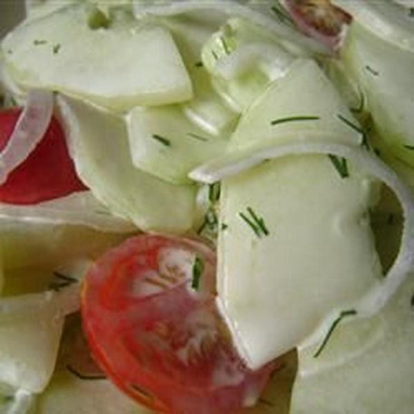 Receita fácil de salada de pepino lemony-dilly