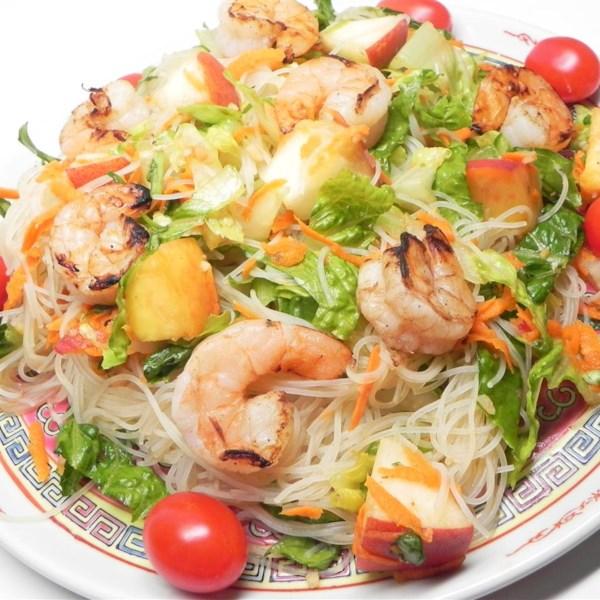 Receita de Salada de Camarão Grelhado e Macarrão de Arroz