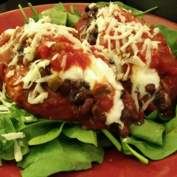Receita mexicana de frango e salada de feijão preto