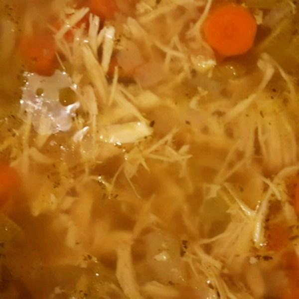 A melhor receita de sopa de frango de todos os tempos