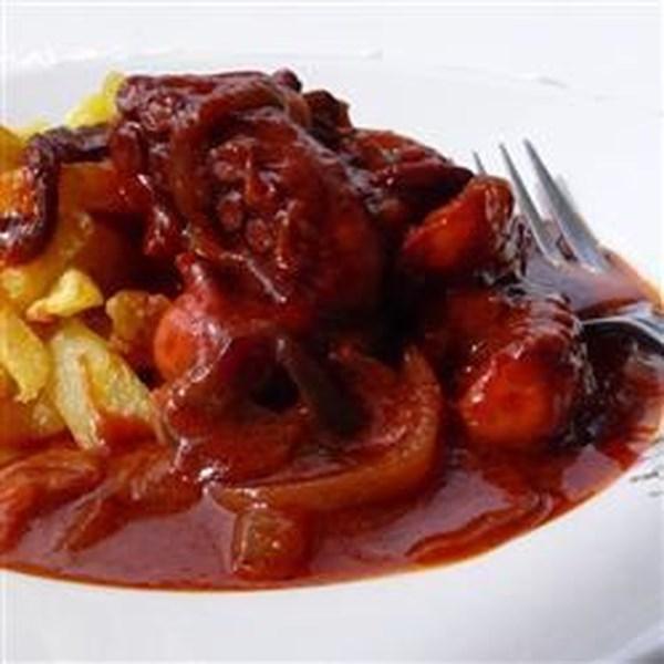 Octapodi Kokkinisto (Polvo Grego ao Molho de Tomate) Receita