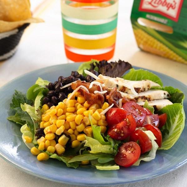 Receita mexicana de salada de frango e milho