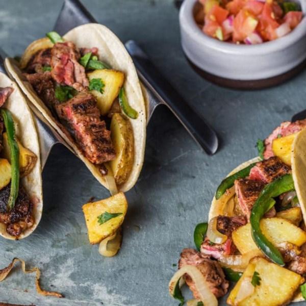 Tacos de Bife e Batata com Receita de Pimentões Poblano