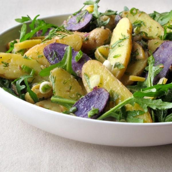Salada de Batata com Receita de Limão E Rúcula Rápida Preservada