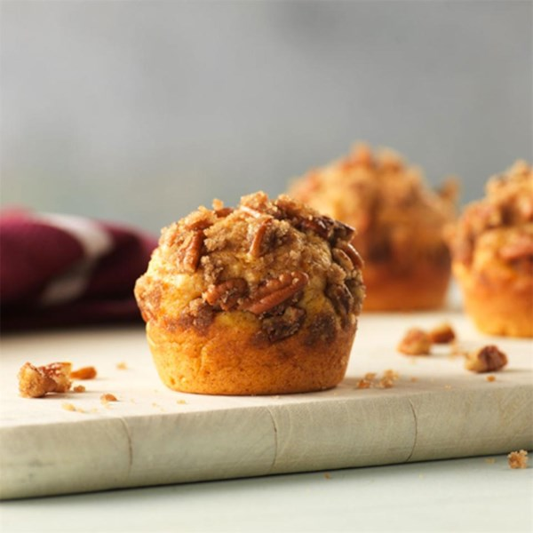 Muffins de batata doce com receita de pecan Streusel