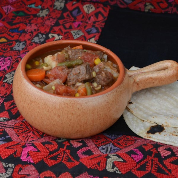 Receita mexicana de ensopado de carne bovina e vegetal