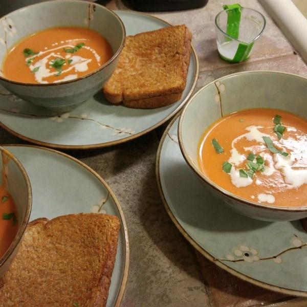 Como fazer receita de bisque de tomate