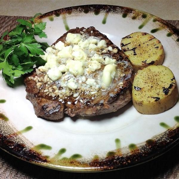 Receita de Bife de Queijo Azul Garlicky