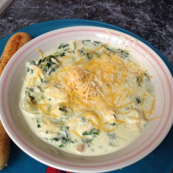 Receita de Sopa de Tortellini de Frango Cremoso