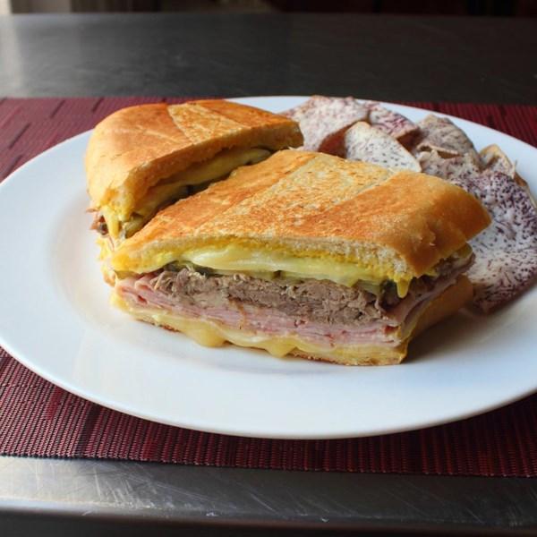 Receita de Sanduíche Cubano do Chef John