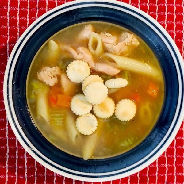 Receita de Sopa de Macarrão de Frango da Vovó