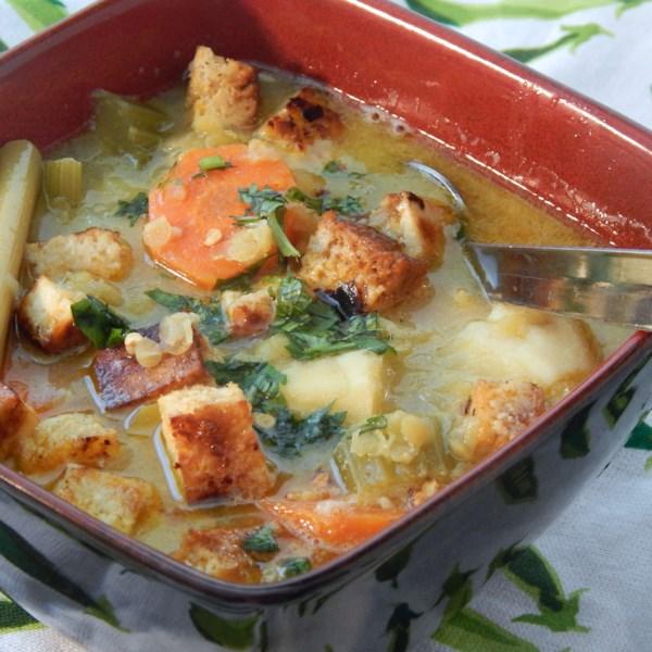 Sopa de Tofu Vegetal com Capim-Limão e Receita de Leite de Coco